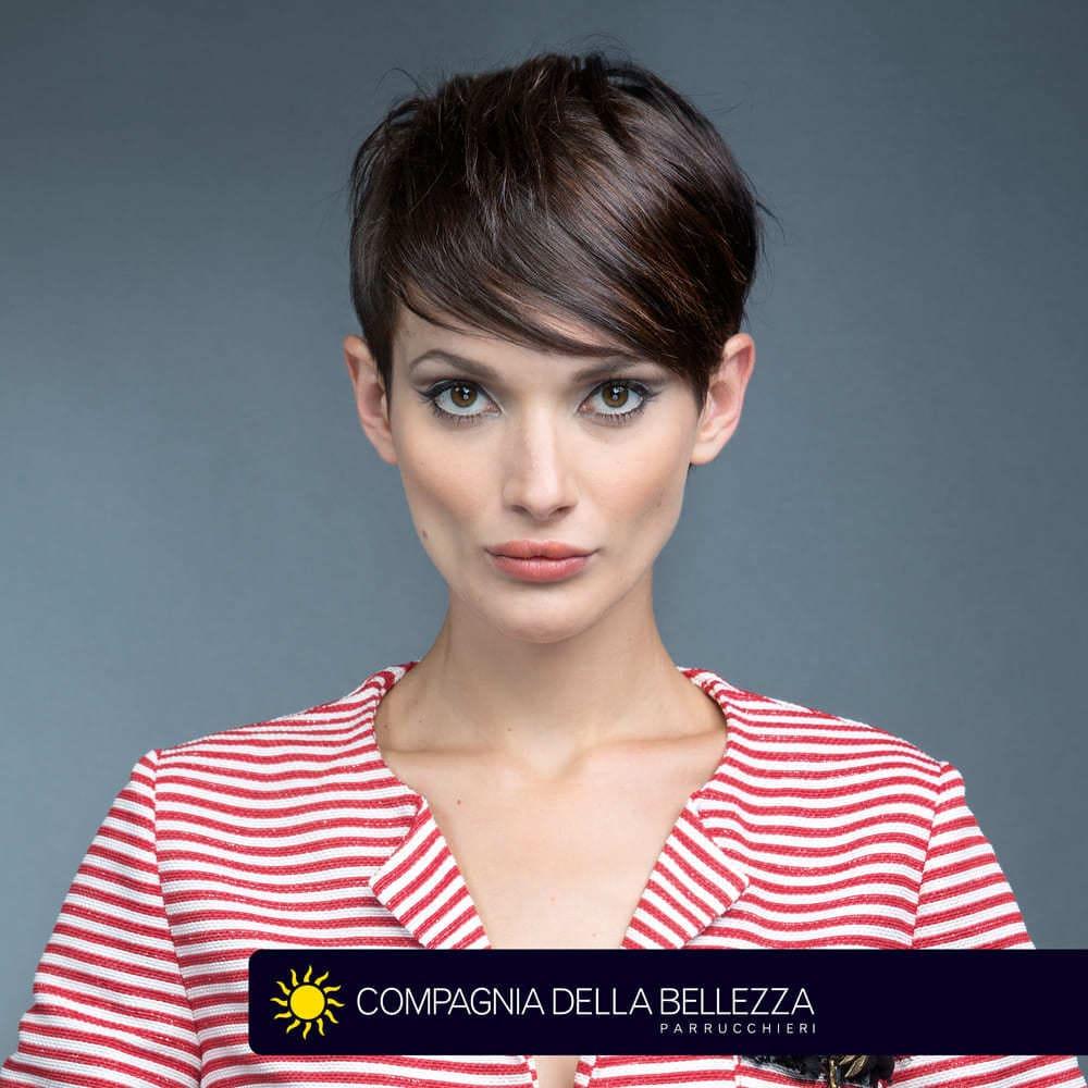 Tagli capelli lisci: corti, medi e lunghi - Compagnia ...